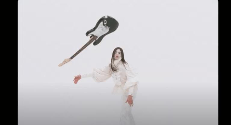 """LUCIO CORSI è uscito il video di """"TRIESTE"""""""