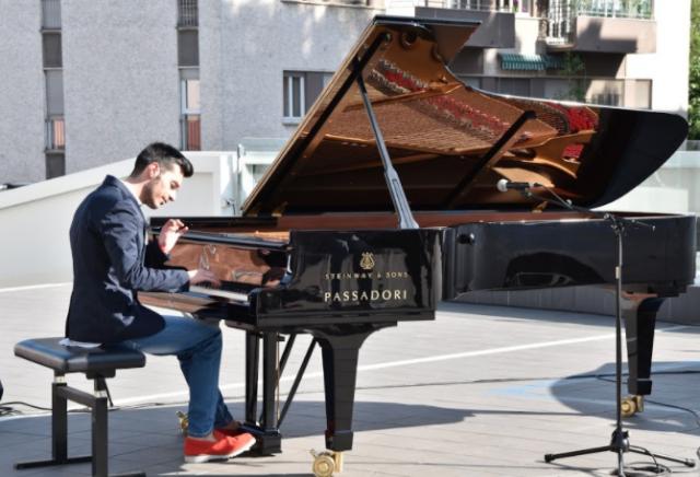 FRANCESCO LIPPELLI – MOON DUST: esce in radio il 7 maggio la composizione inedita del giovane pianista e produttore calabrese