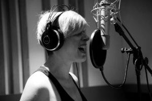 """L'estate è """"Rituale"""" nel nuovo singolo di Vanessa Grey"""