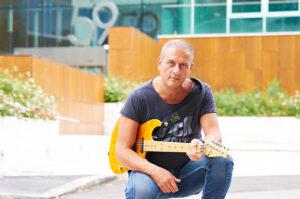 Il nuovo singolo: 'A ZINGARA di Luca Rustici.