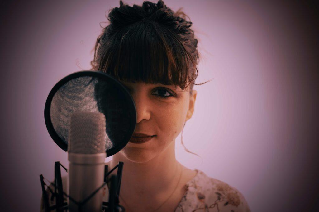 """Esce sulle principali piattaforme digitali il singolo """"Shine On Me"""" dell'artista emergente Lucia Giannerini"""